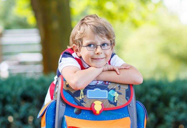 Как сохранить зрение ребёнка? Отвечает специалист компании Essilor