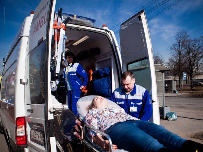 Помощь при транспортировке больного в скорой помощи